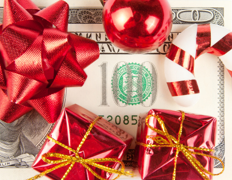 saving money holiday season